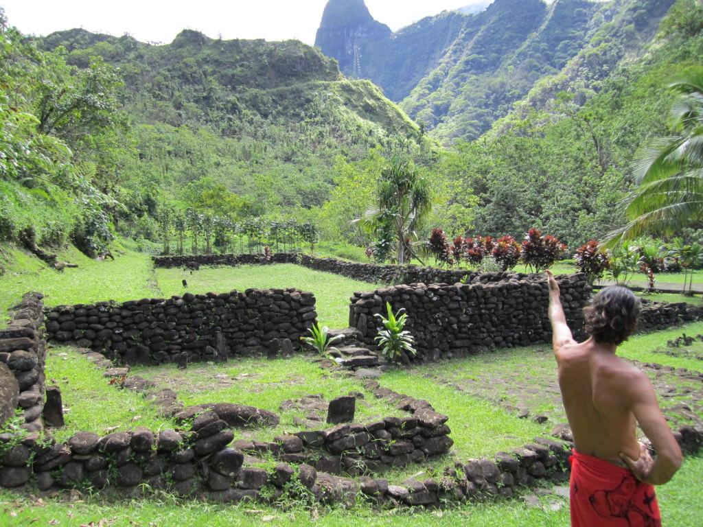 Tahiti-ruins-papenoo-valley-4