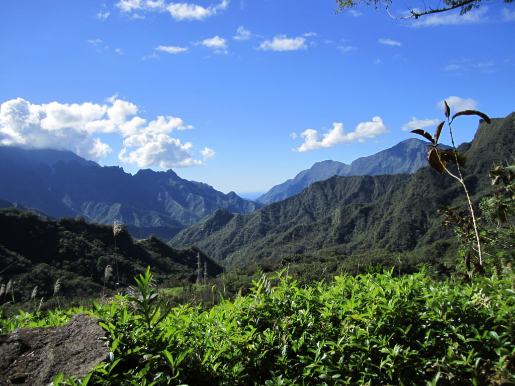 Tahiti-interior-mountain-view