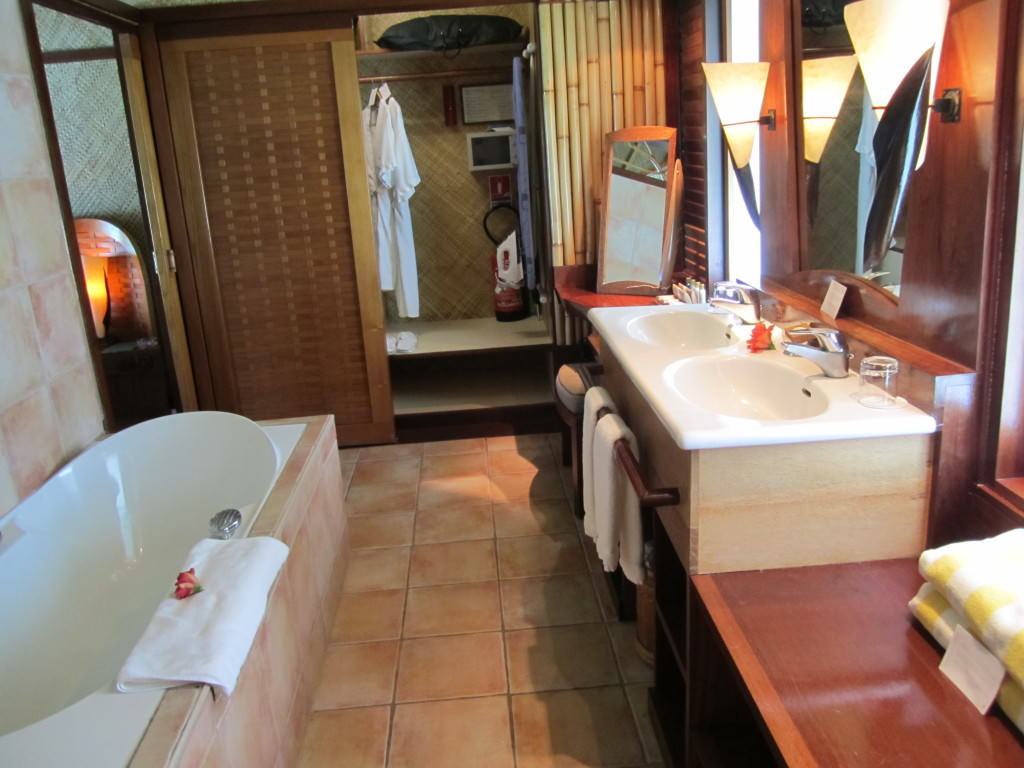 Intercontinental Le Moana Bora Bora overwater bungalow bathroom