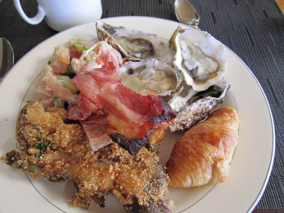 Sunday breakfast buffet, Intercontinental Resort Tahiti