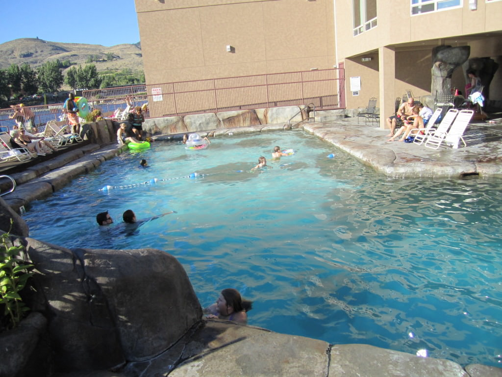 Grandview on the Lake Chelan pool