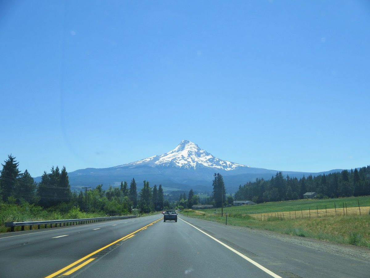 Hood river or multnomah falls mt hood and a lavender for The hood river
