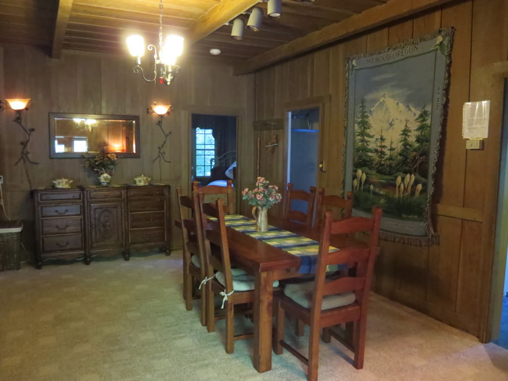 Mt Hood cabin Rhododendron Oregon