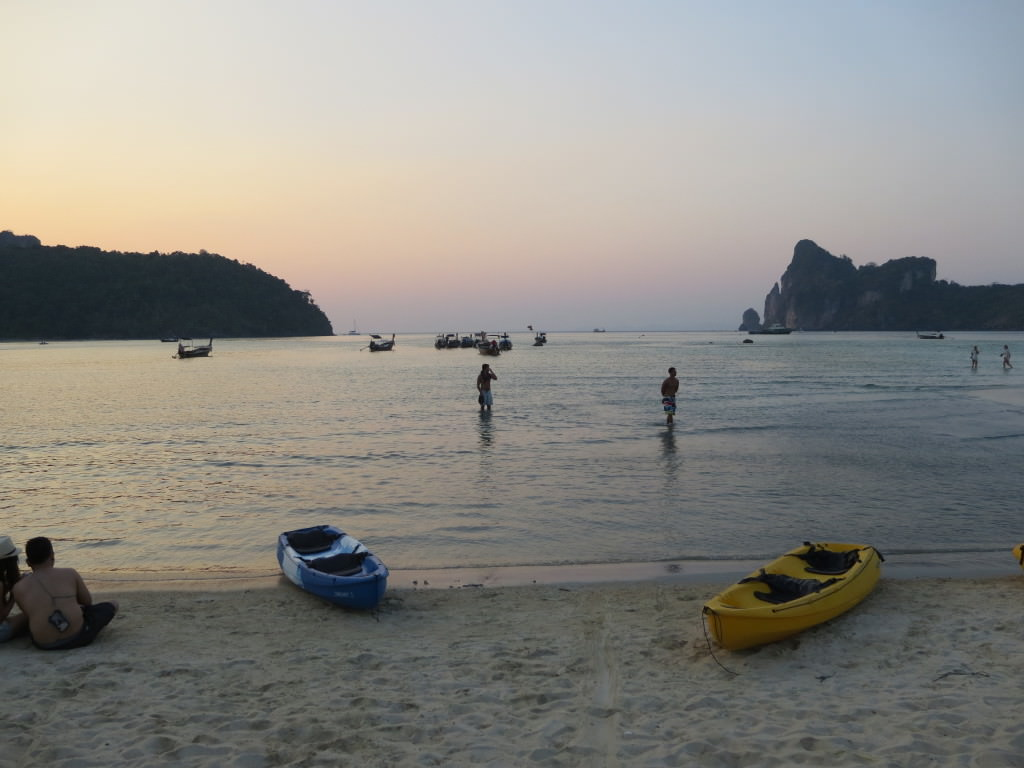 Loh Dalum Beach sunset Phi Phi Thailand 457