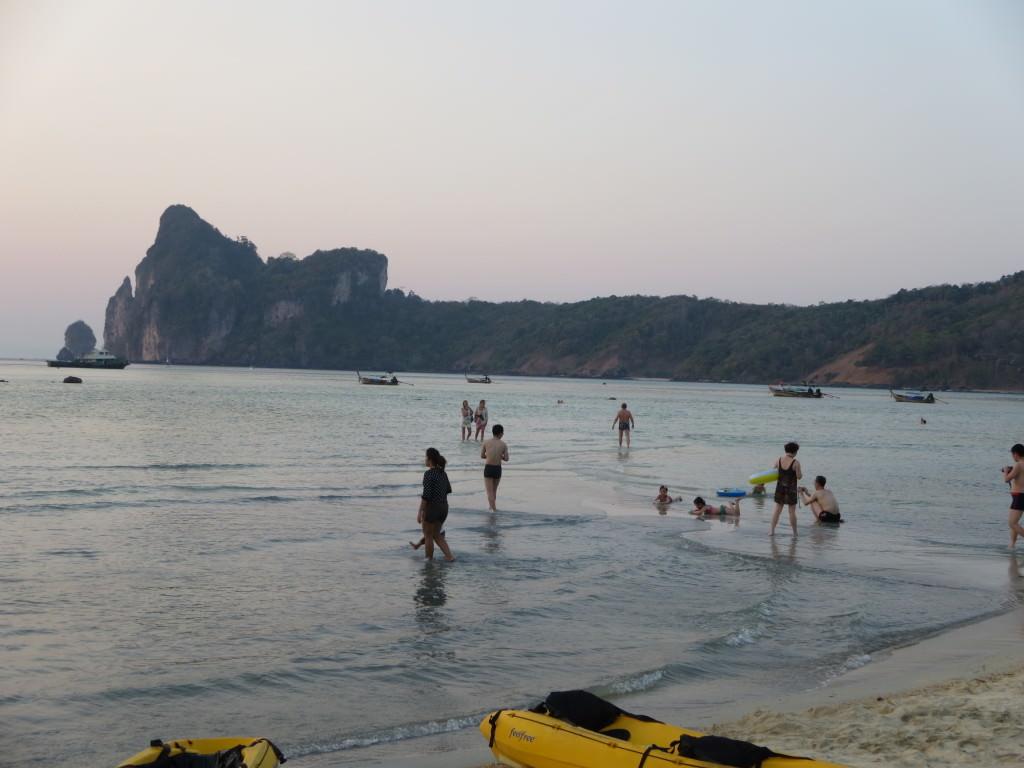 Loh Dalum Beach sunset Phi Phi Thailand 459