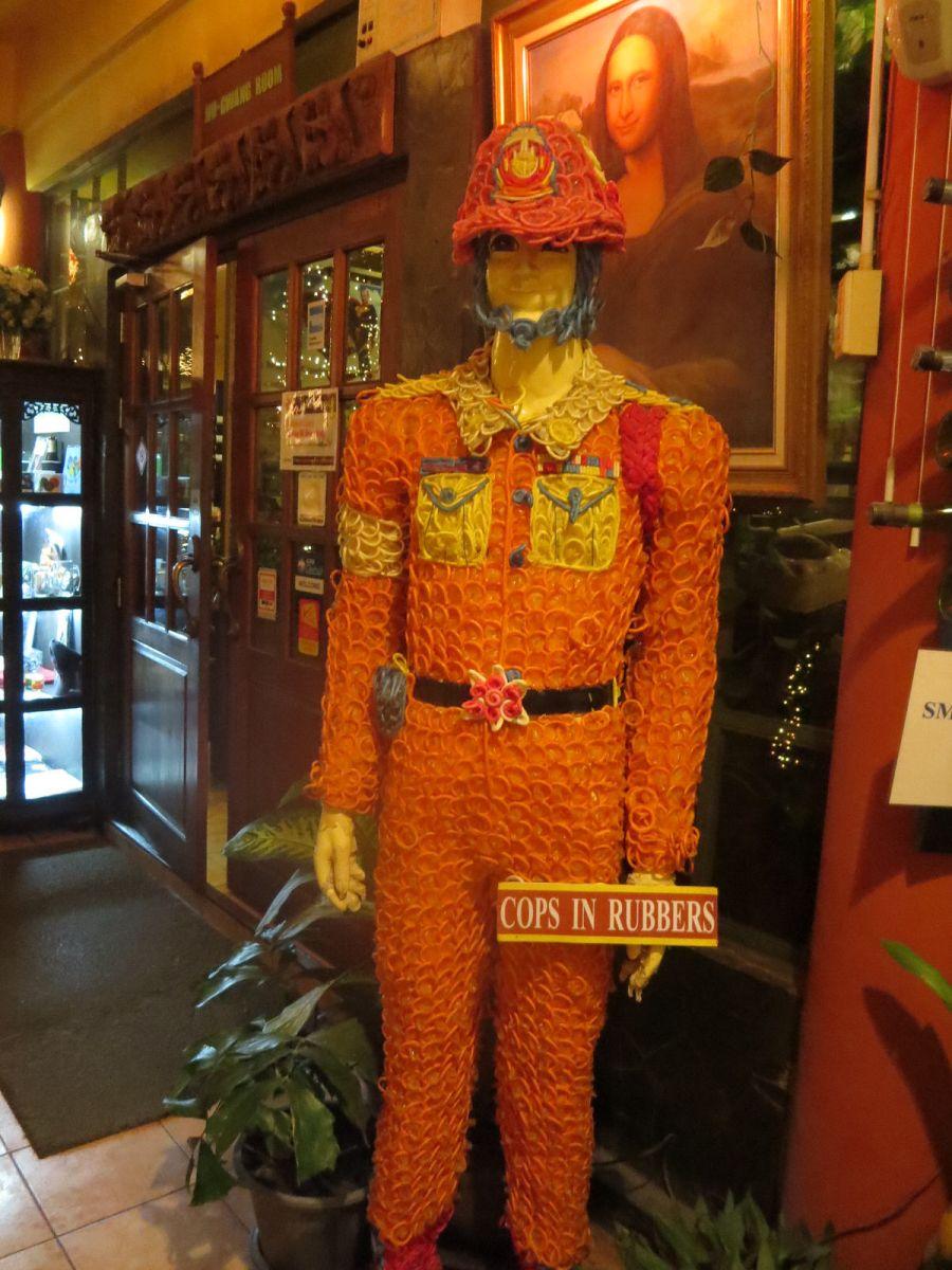 Cabbages-and-Condoms-Bangkok-Thailand 542 ...