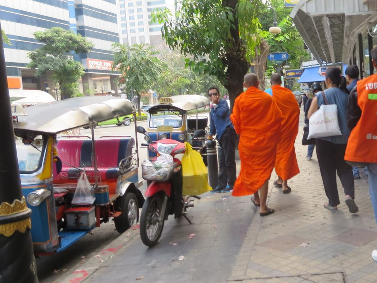 Monks in Bangkok, Thailand 671