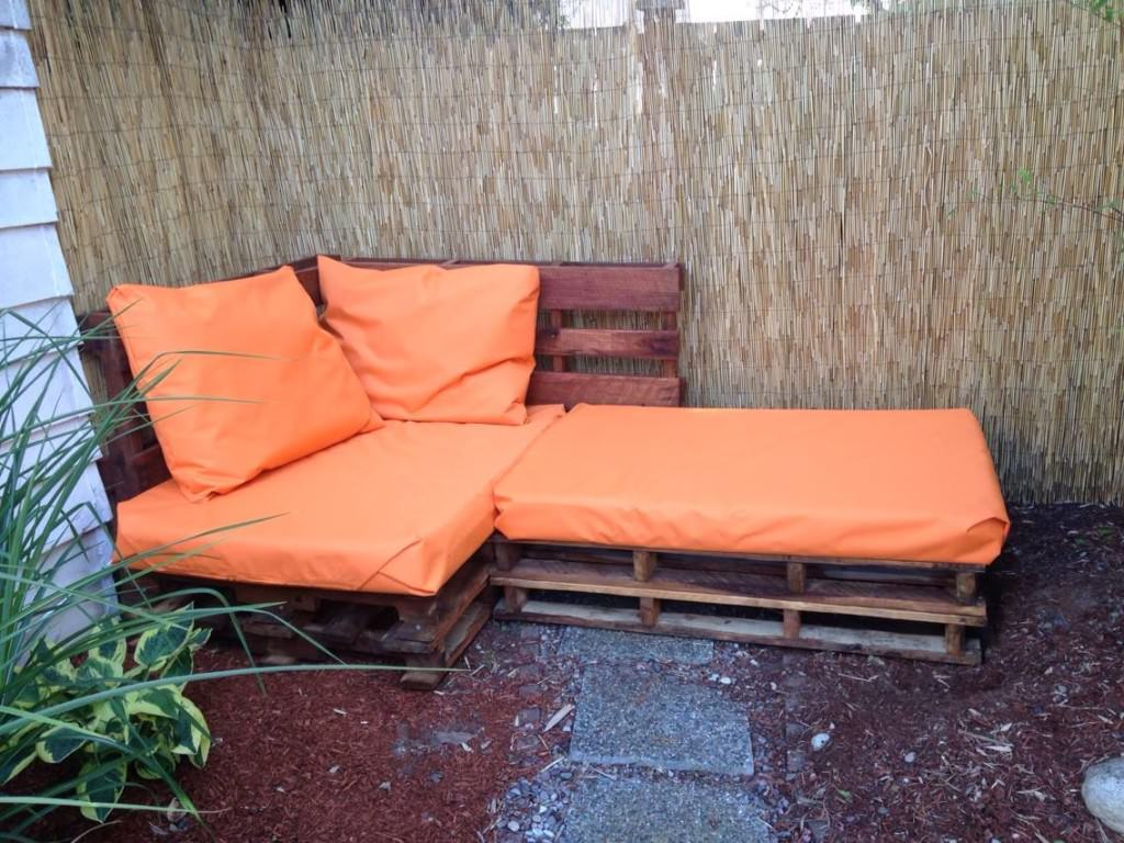 how-to-make-an-outdoor-pallet-sofa-sectional