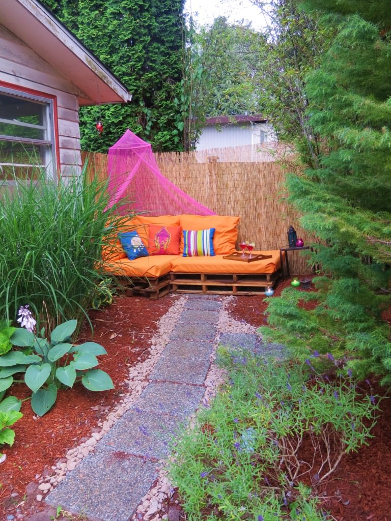 Outdoor-Pallet-Sofa-Sectional-(8)