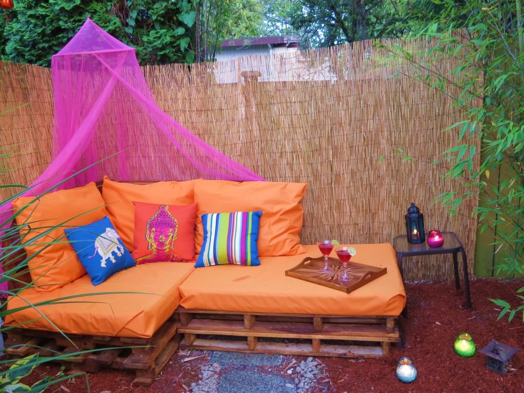Outdoor-Pallet-Sofa-Sectional-(9)