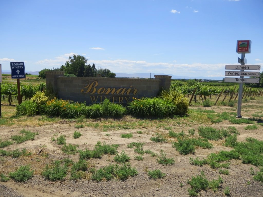 Bonair Winery wine tasting in Yakima Valley