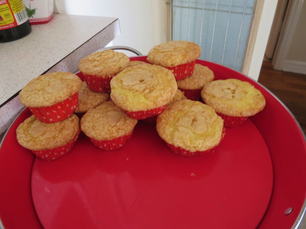 Buttered popcorn cupcakes (2)
