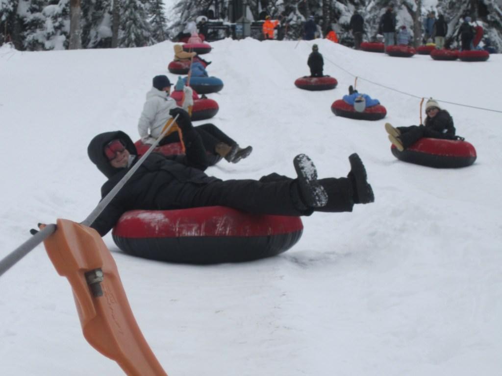 Snow Tubing at Snoqualmie Pass, WA - childfreelifeadventures com