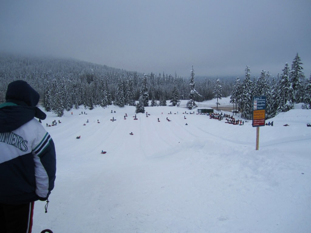 Snoqualmie snow tubing hill