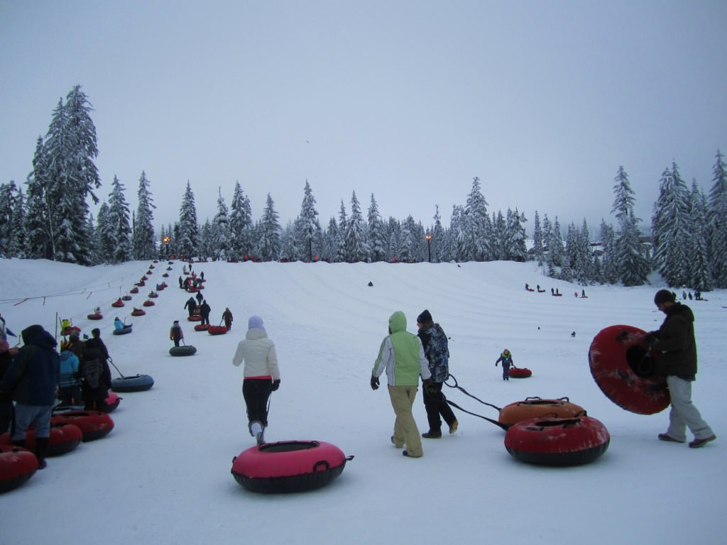 snow tubing at snoqualmie pass