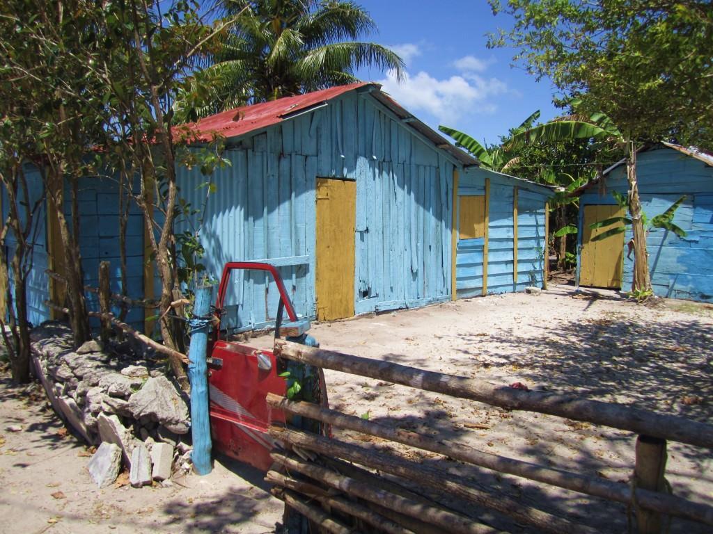 car door fence gate, Mano Juan, Isla Saona
