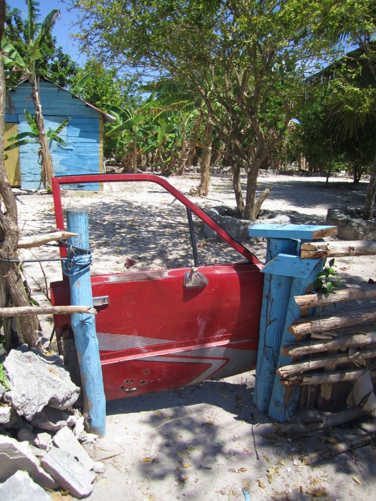 car door fence gate, Mano Juan, Isla Saona