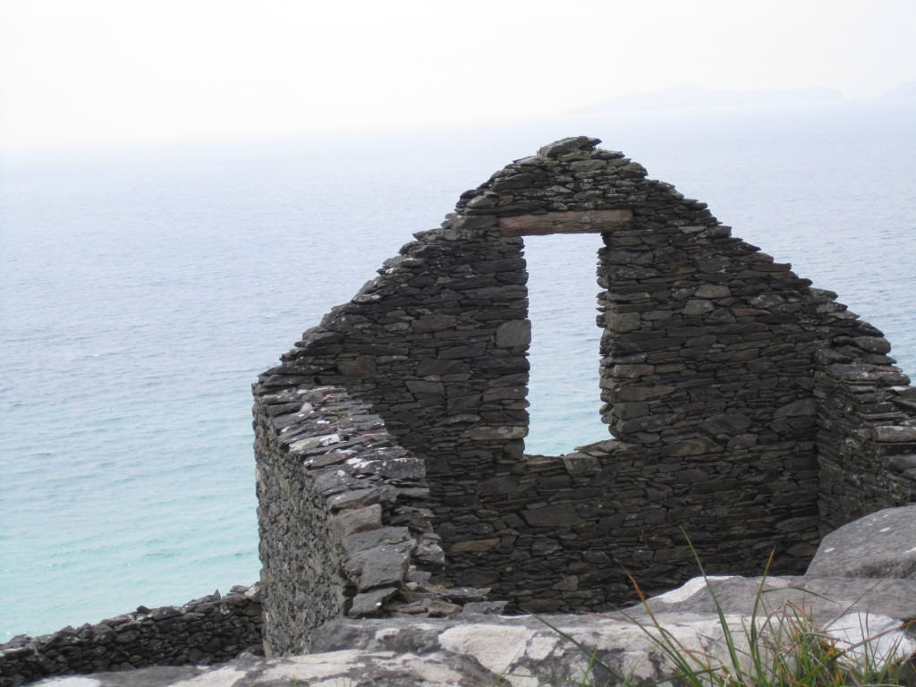 Remains of an old farmhouse on Slea Head Drive dingle peninsula