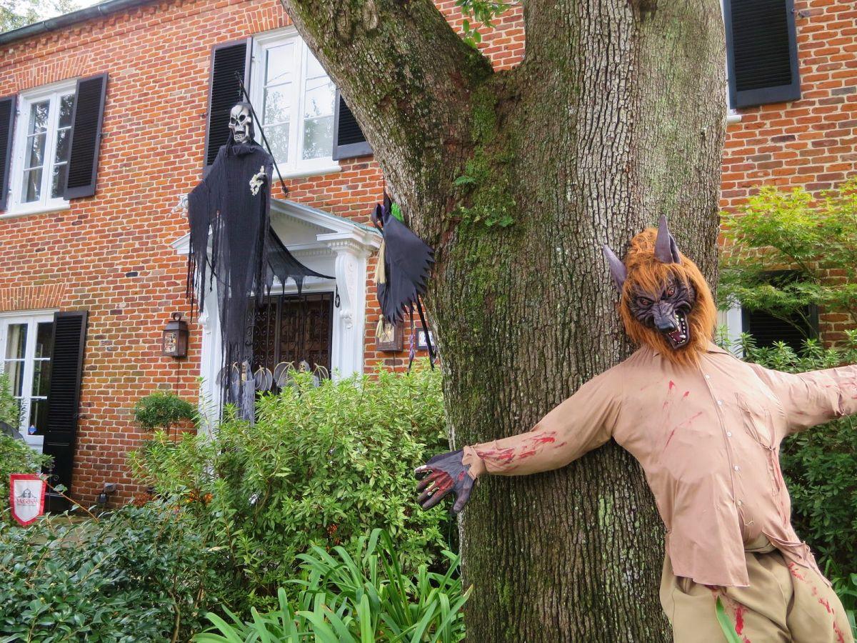 Garden-District-Halloween-in-New-Orleans 349 ...