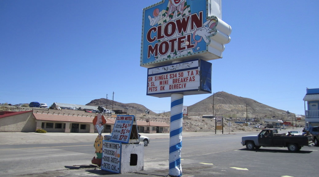 weirdest things we saw in Nevada clown motel