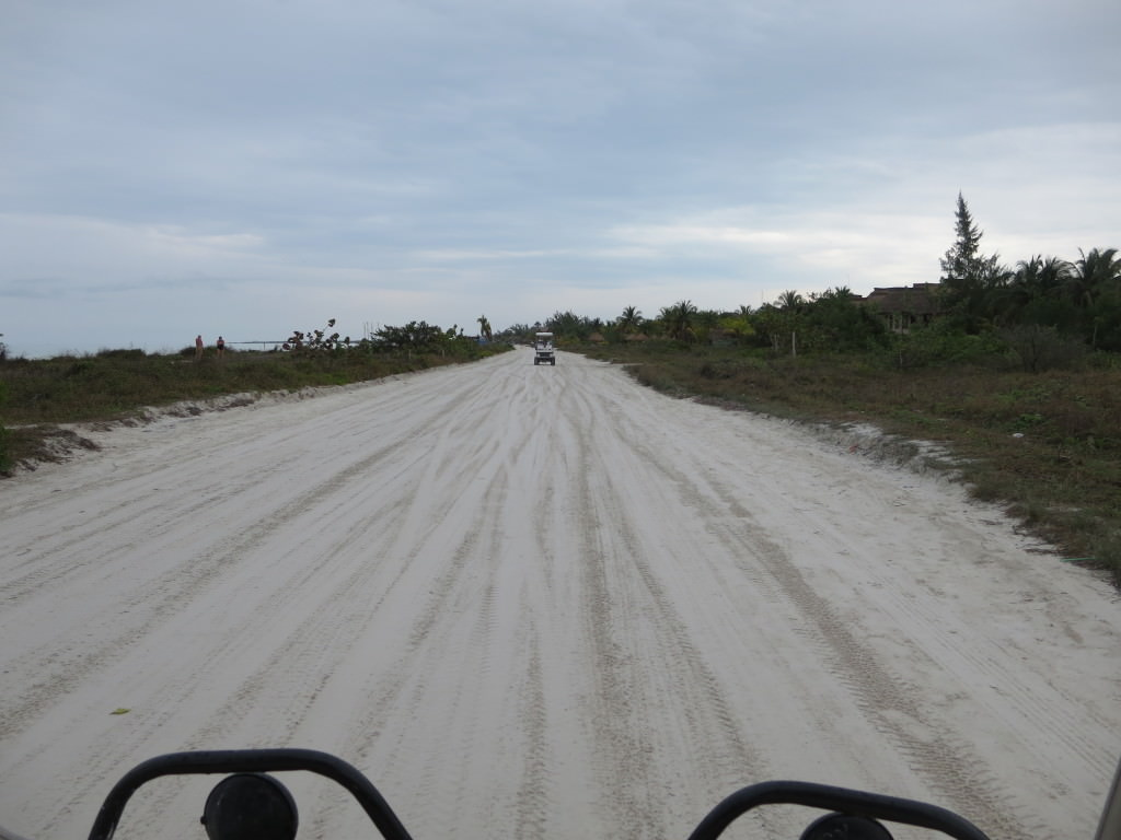 Isla Holbox road heading east