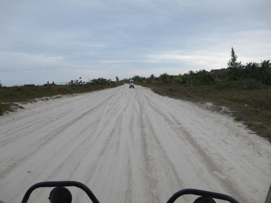 Isla Holbox road heading east