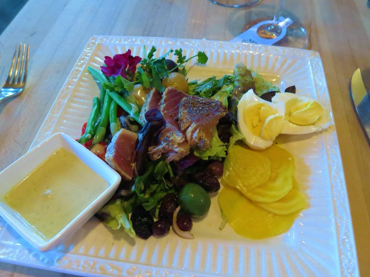 Nicoise salad with seared ahi tuna at Wine O Clock in Prosser Vintner's Village