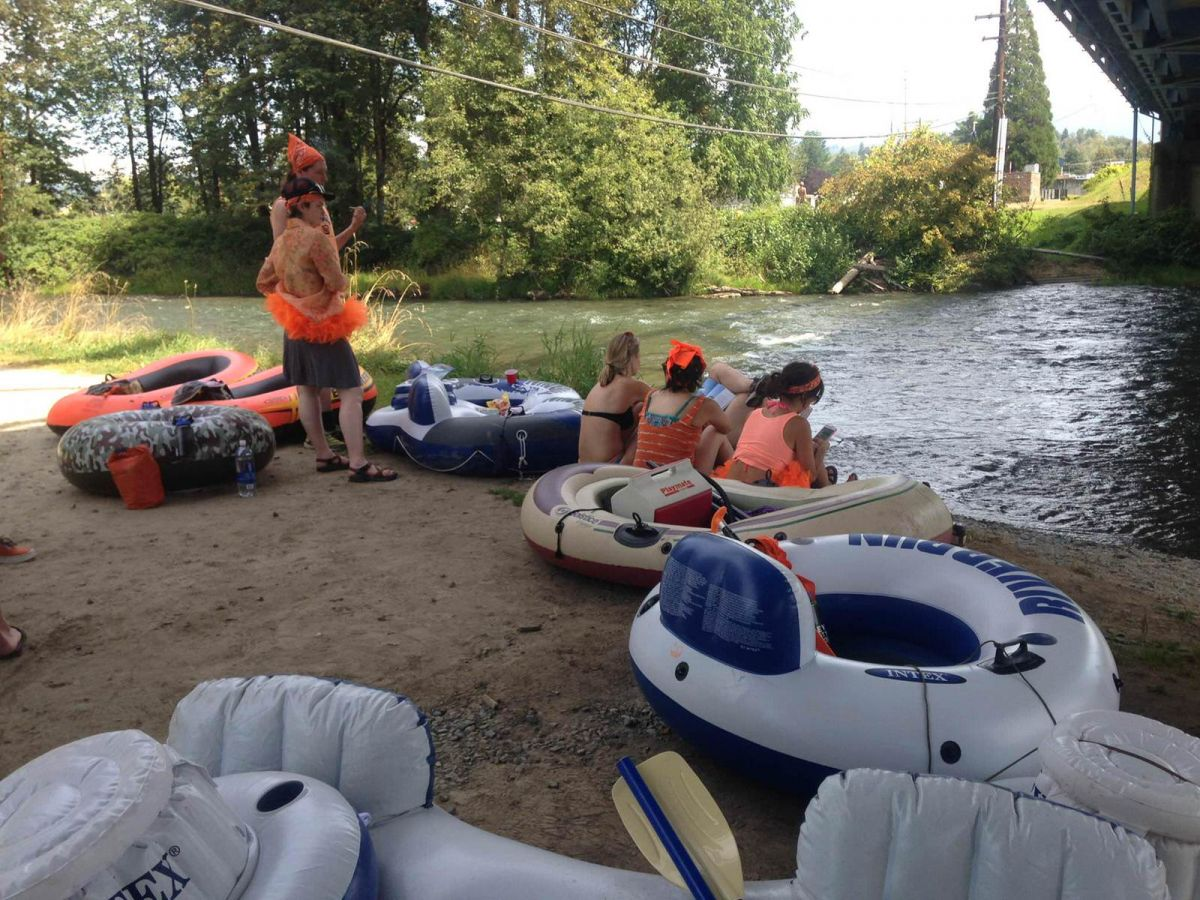tubing the Skykomish River