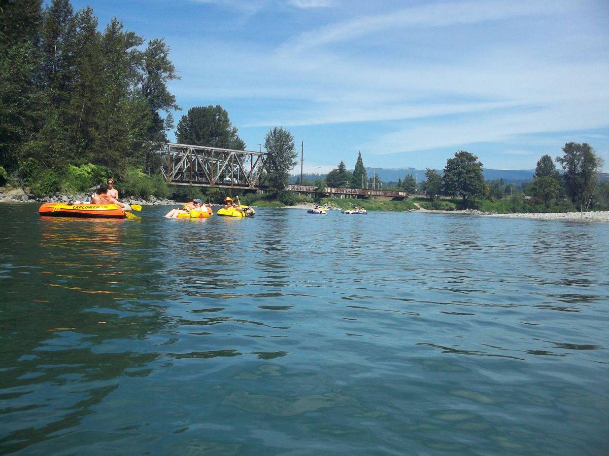 Tubing the Skykomish River