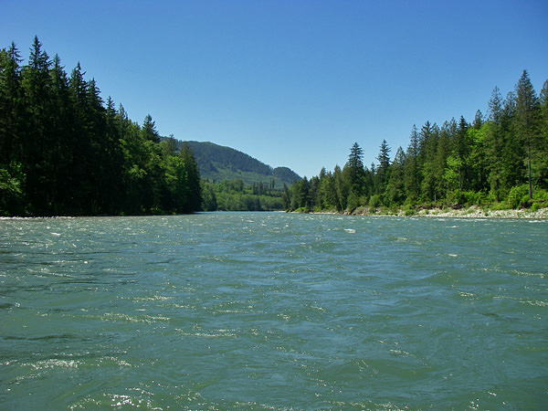 river tubing on the Skykomish River