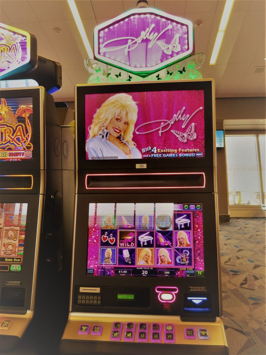 dolly parton slot machine