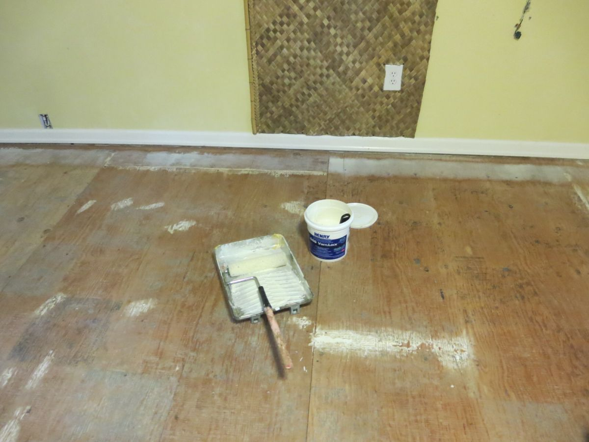 Adventures in home improvement installing vinyl plank flooring installing vinyl plank flooring dailygadgetfo Image collections