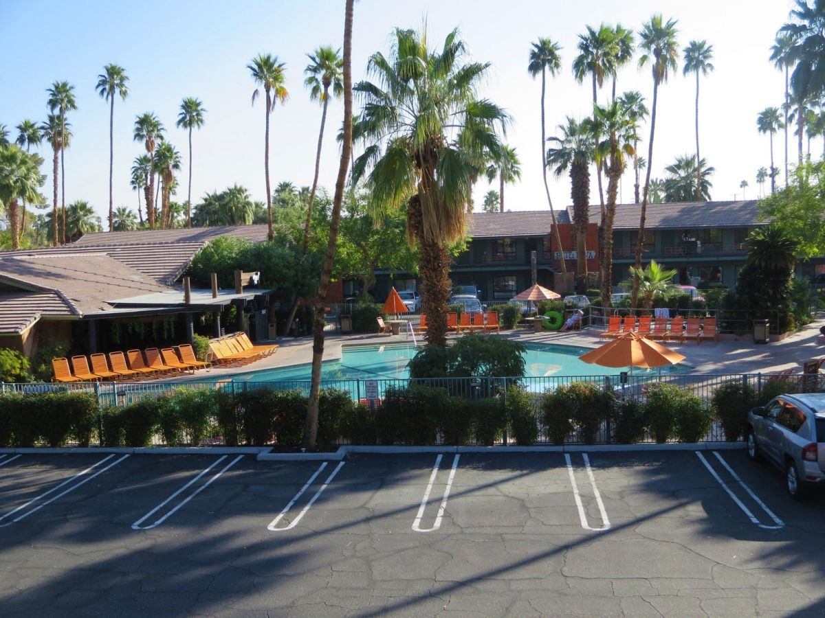 Caliente Tropics hotel Palm Springs