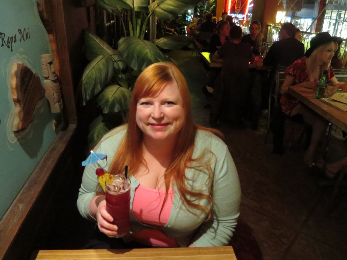 Drinking the Mohave Punch at Tonga Hut tiki bar