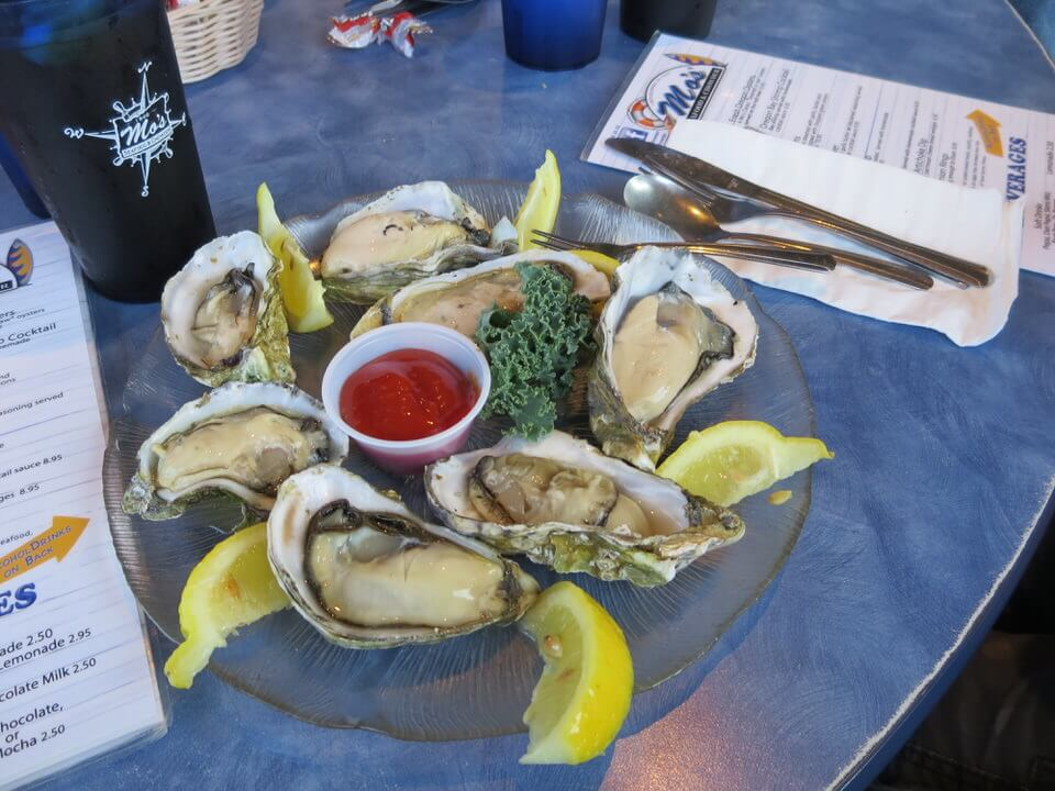 Oysters at Mo's Chowder in Cannon Beach