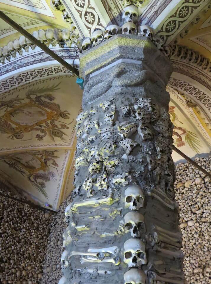 Capela dos Ossos, Evora Portugal