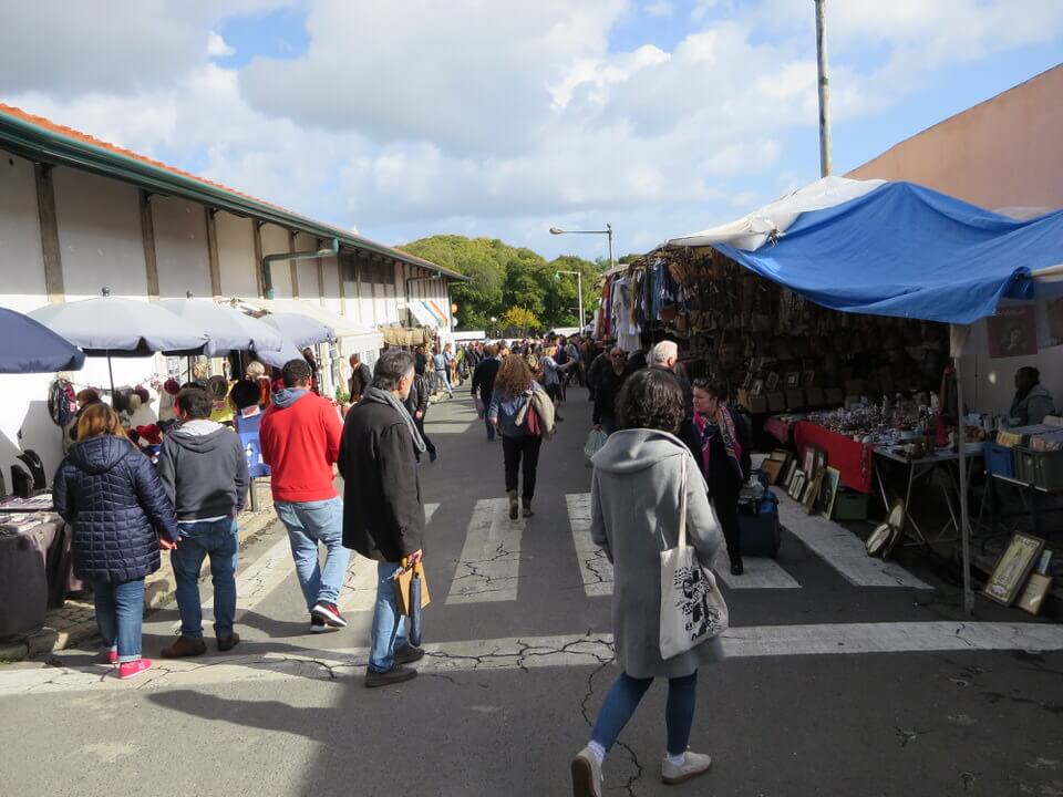 Feira da Ladra flea market Lisbon