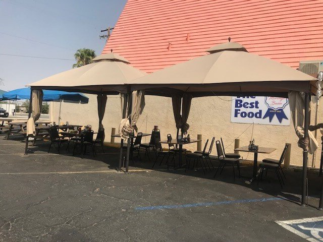 Outdoor seating at Andreas Charbroiled Twentynine Palms